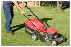 Starting a petrol lawn mower